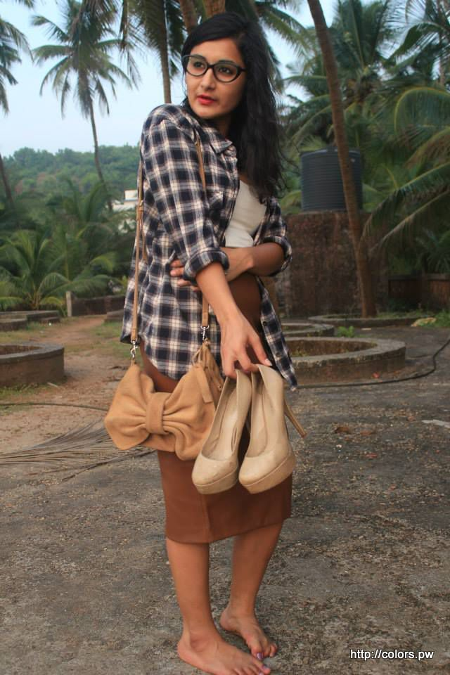 Bow Handbag: Mango Nude Pumps: Aldo